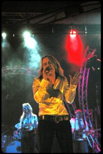 Sonja Volz - Vocals